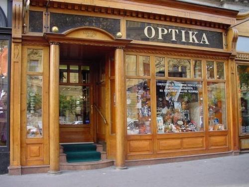 Pest megye · Budapest · VI. kerület · Laczo Optika fcfd45f055